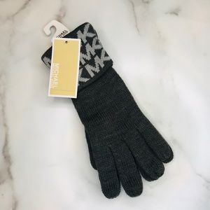 Michael Kors   MK Logo Knit Cuffed Gloves